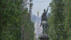 Памятник Щорсу на бульваре Шевченко в Киеве