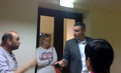 Спор Виталия Кличко с протестующими против застройки на Осокорках