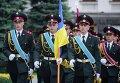 Почетный караул возле Администрации президента Украины