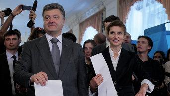 Победа Порошенко на выборах год назад