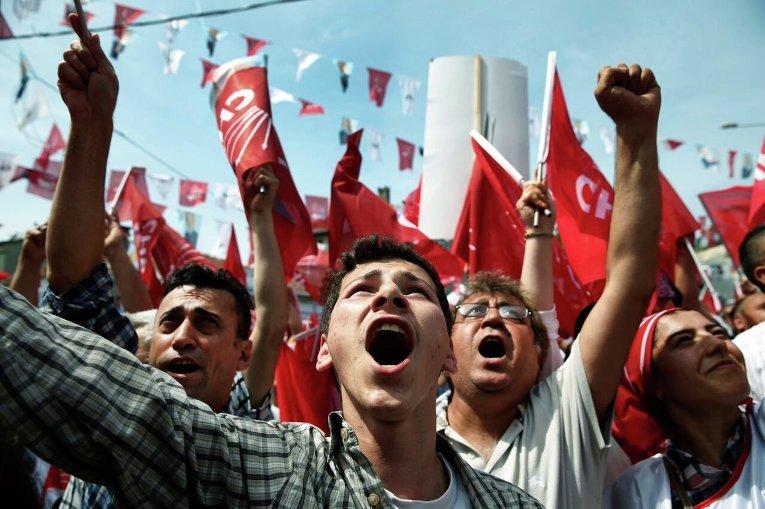 В Стамбуле прошел митинг оппозиционной Республиканской партии в рамках предвыборной кампании