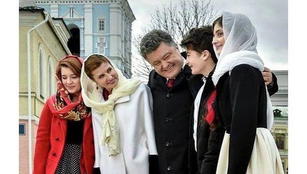 Петр Порошенко с семьей в Киево-Печерской Лавре