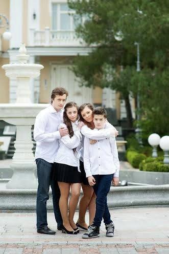 Алексей, Евгения, Александра и Михаил Порошенко - дети президента