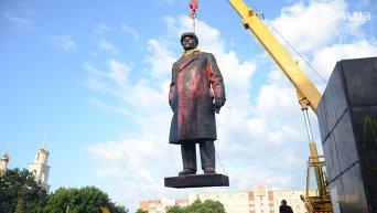 Демонтаж памятника Владимиру Ленину в Славянске