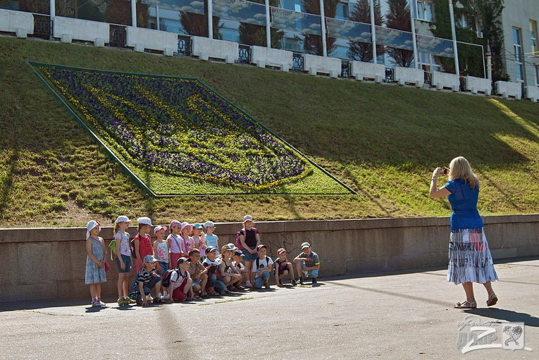 Открытие цветника Трезубец на Университетской горке в Харькове