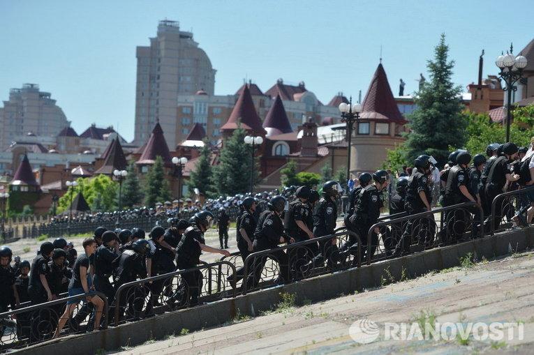 Милиция на Марше Равенства в Киеве