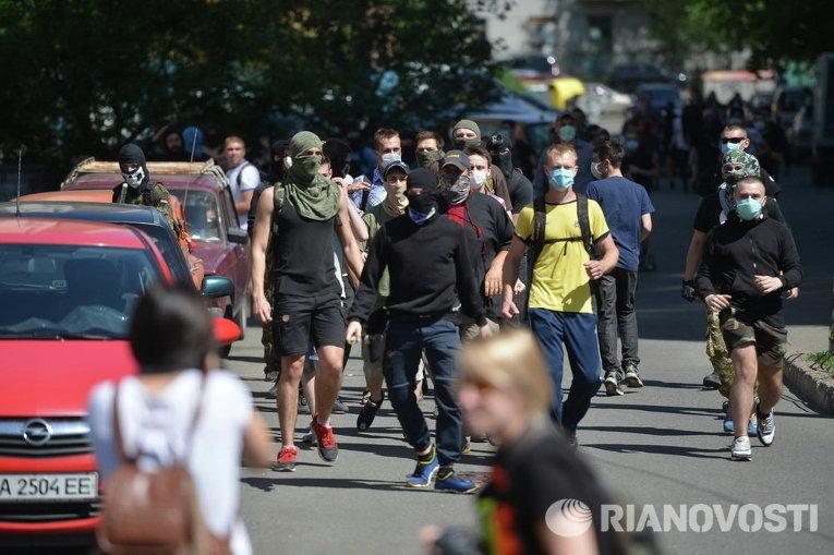 Неизвестные пришли на гей-марш в Киеве
