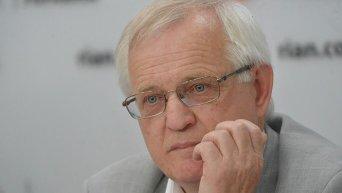 Профессор кафедры криминального процесса и криминалистики Виктор Бояров