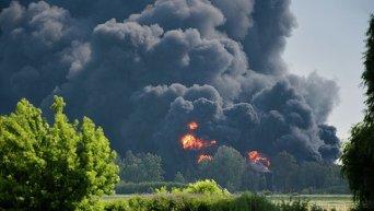 Пожар на нефтебазе под Киевом. Архивное фото
