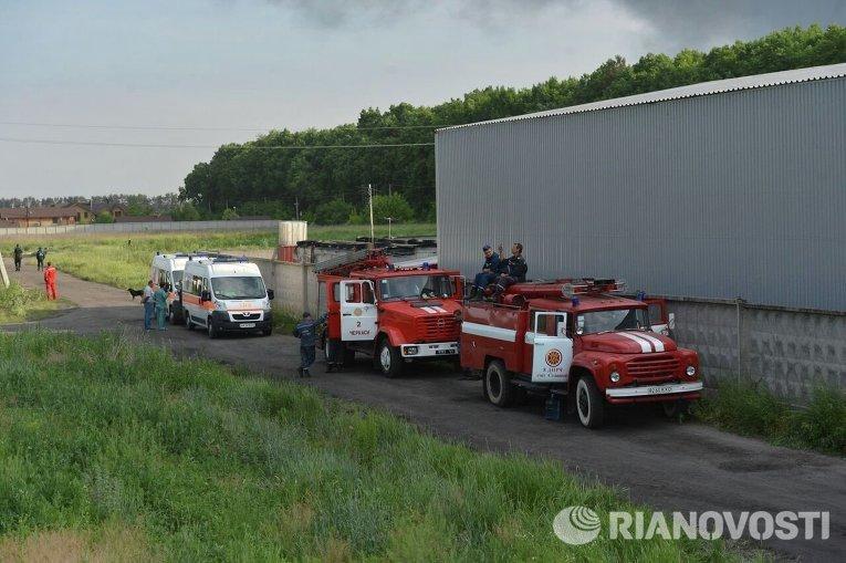 Сотрудники ГСЧС локализовали эпицентр огня на нефтебазе под Киевом