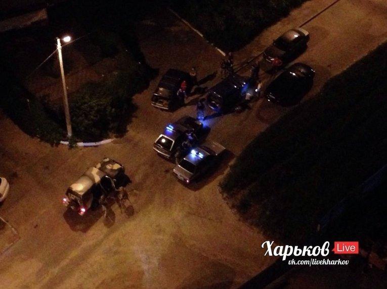 Милиция на месте массовой поножовщины в Харькове