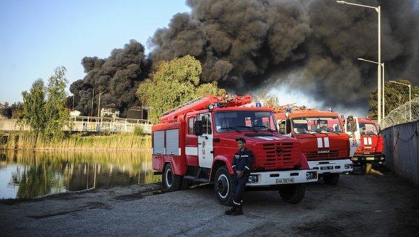 Пожар на нефтебазе под Киевом