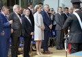 Бельгийская королева Матильда слушает гимн на Expo 2015 в Ро, недалеко от Милана, Италия