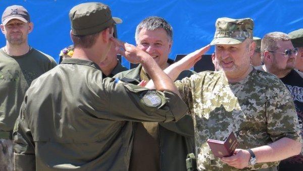 Александр Турчинов в Мариуполе