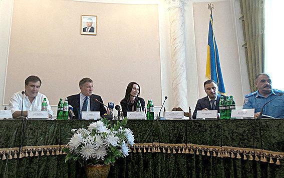 Аваков и Саакашвили представили нового начальника одесской милиции Гиорги Лорткипанидзе