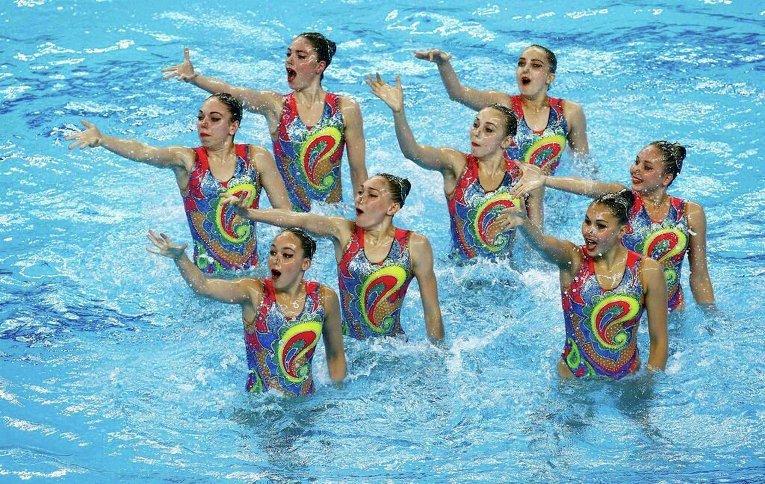 Команда Украины во время синхронного плавания