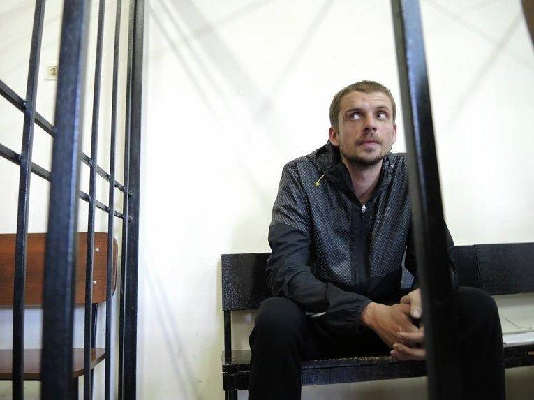 Подозреваемый в убийстве Олеся Бузины Андрей Медведько на суде