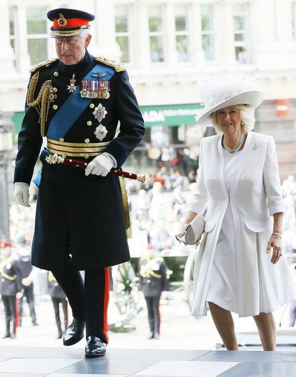 Британский принц Чарльз и герцогиня Корнуолла Камилла прибыли для участия в поминальной службе к 200-летию битвы при Ватерлоо, Лондон.