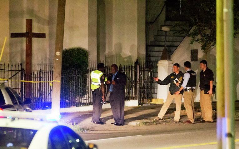 Полиция у церкви Emanuel AME после стрельбы, США