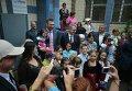 Кличко и Пайетт открыли центр для переселенцев в Киеве