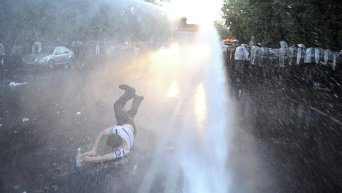 Разгон митинга в Ереване