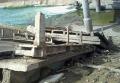 Разрушенный мост, который соединял поселки Павлополь и Орловский Волновахского района возле Мариуполя