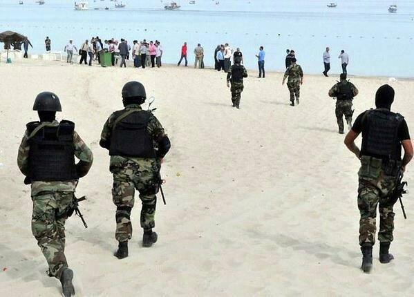 На месте теракта на пляже в Тунисе