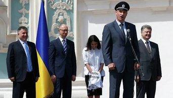 Порошенко и Яценюк не смогли сдержать смех во время выступления Кличко