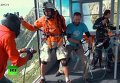 Француз влетел на парашюте в движущуюся кабину фуникулера