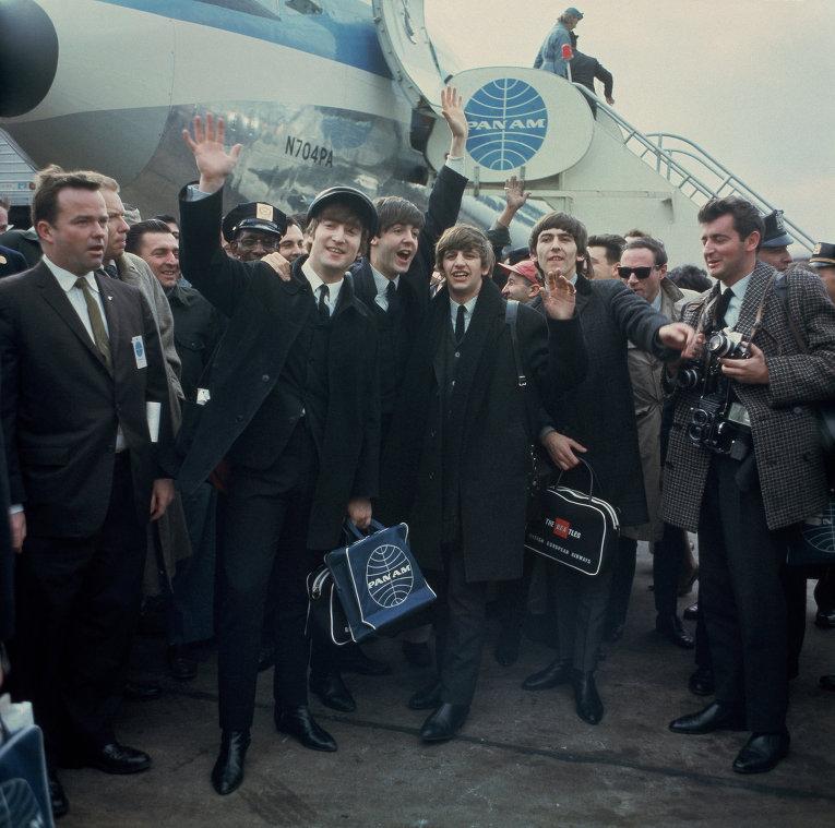 Нью-Йорк, 1964 год. Джон Леннон, Пол Маккартни, Ринго Старр и Джордж Харрисон.