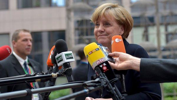 Канцлер Германии Ангела Меркель прибыла на заседание Европарламента