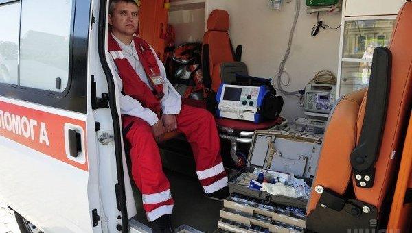 Работник скорой помощи. Архивное фото
