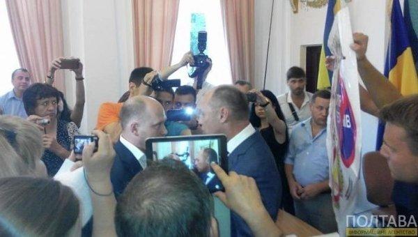 Сергей Каплин и Александр Мамай в здании Полтавского горсовета