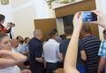 Драка в Полтавском горсовете. Видео
