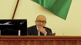 Прения о признании России страной-агрессором мэр Геннадий Кернес слушал с фирменной скептической усмешкой