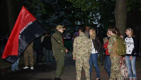 Активисты Правого сектора во время акции протеста в Житомире