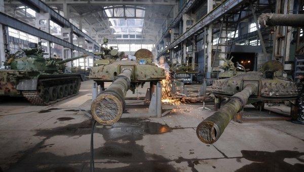Производство и ремонт танков. Архивное фото