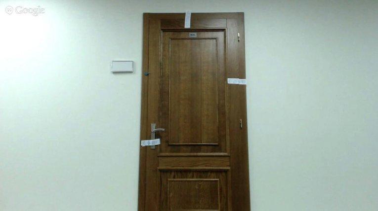 Опечатанные следователями двери, за которыми находятся вещественные доказательства по делу арестованных на взятке прокуроров Генеральной прокуратуры и Киевской области