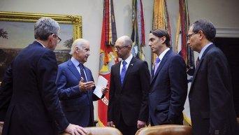 Яценюк в Вашингтоне встретился с Байденом и Обамой
