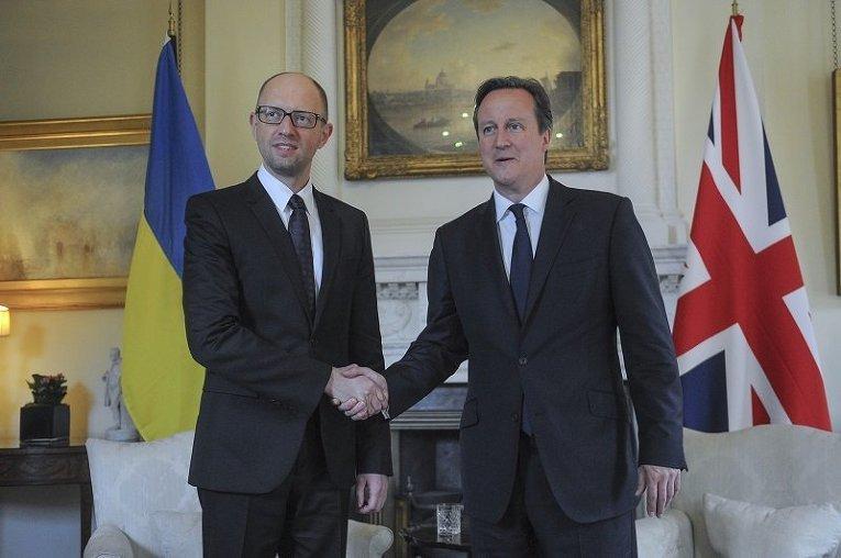 Премьер-министр Великобритании Дэвид Кэмерон и премьер-министр Украины Арсений Яценюк в резиденции главы британского правительства