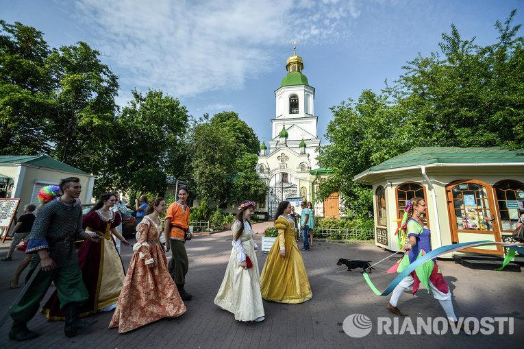 Фестиваль уличных искусств Киевские Огни