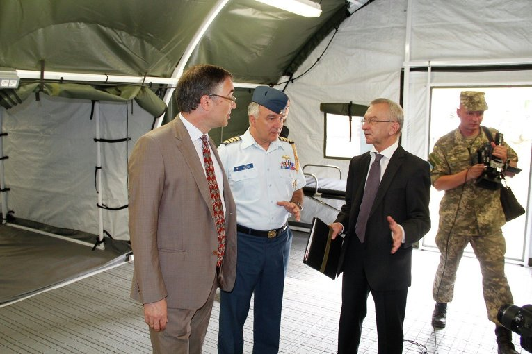 США передали полевой госпиталь для украинских военных, - Генштаб - Цензор.НЕТ 7257