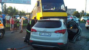 ДТП в Херсоне с участием маршрутки и внедорожника