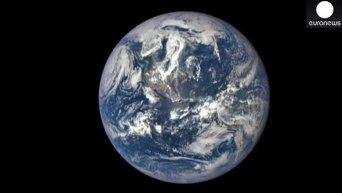 Земля с расстояния 1 млн км. Видео
