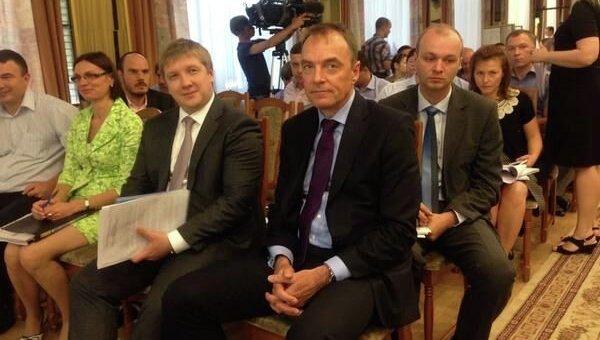 Андрей Коболев и Марк Роллинз (крайний справа на первом плане)