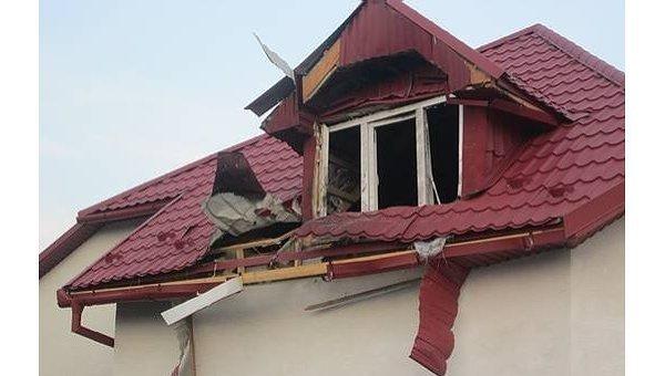 Обстрелянный из гранатомета магазин в Мукачево
