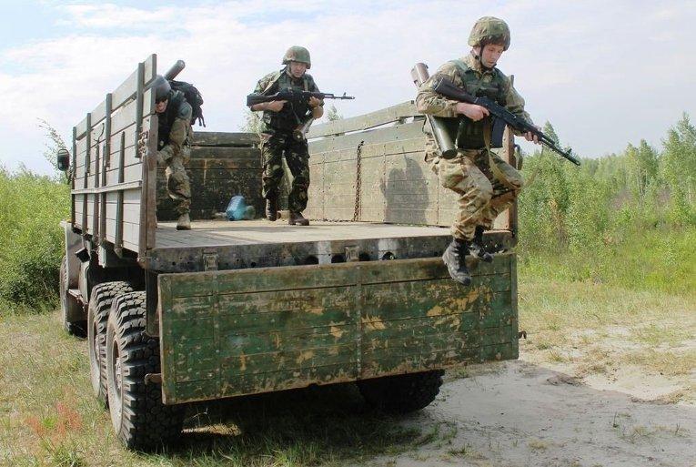 Учения десантников в Житомирской области