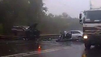 На месте аварии с участием Porsche Cayene и Hyundai, которые столкнулись в Киеве