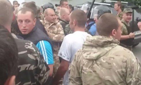 Столкновения в Ровно. Видео