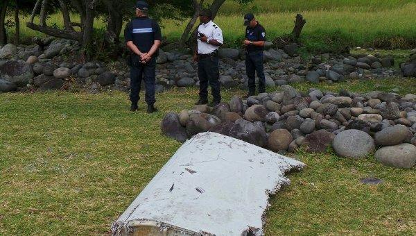 Найденный на острове Реюньон обломок самолета